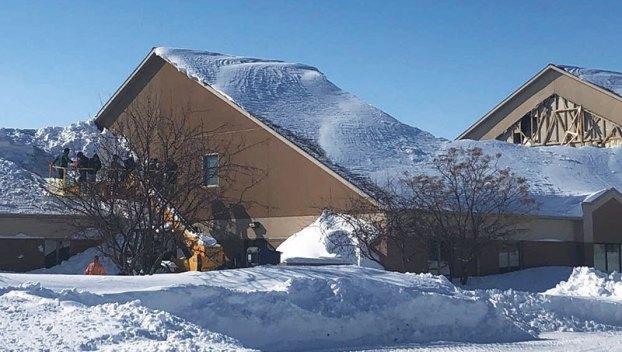 Heavy Wet Snow Causing Roofs To Collapse In Minnesota North Dakota Austin Daily Herald Austin Daily Herald